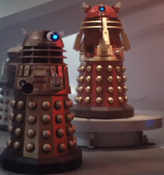 TPE-E stands besides the Supreme Dalek